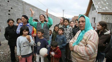 """1000 de romi vor protesta vineri în Piaţa Vasile Milea: """"Consiliul Judeţean ne datorează 3 milioane de lei!"""""""