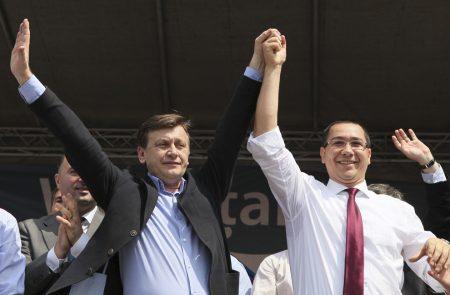 Unirea dintre Antonescu si Ponta, anuntata la Iasi. Pe 5 februarie, ia nastere Alianta PSD – PNL